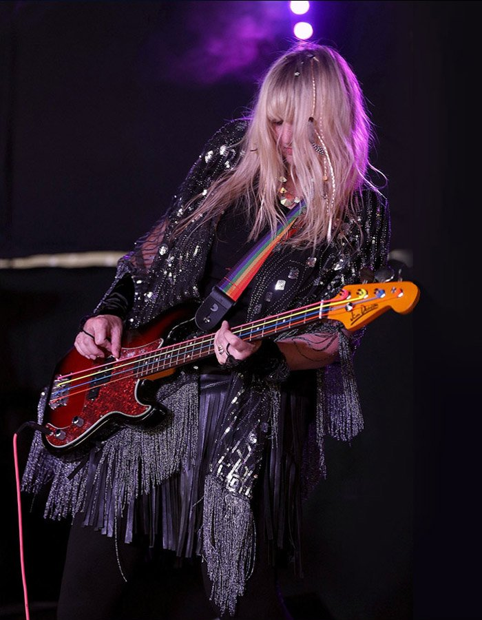 lee-cave-berry-bass-player-songwriter-pic-01